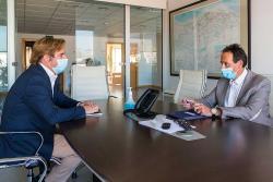 Gochicoa analiza con el alcalde de Reocín el proyecto para minimizar las inundaciones del río Saja